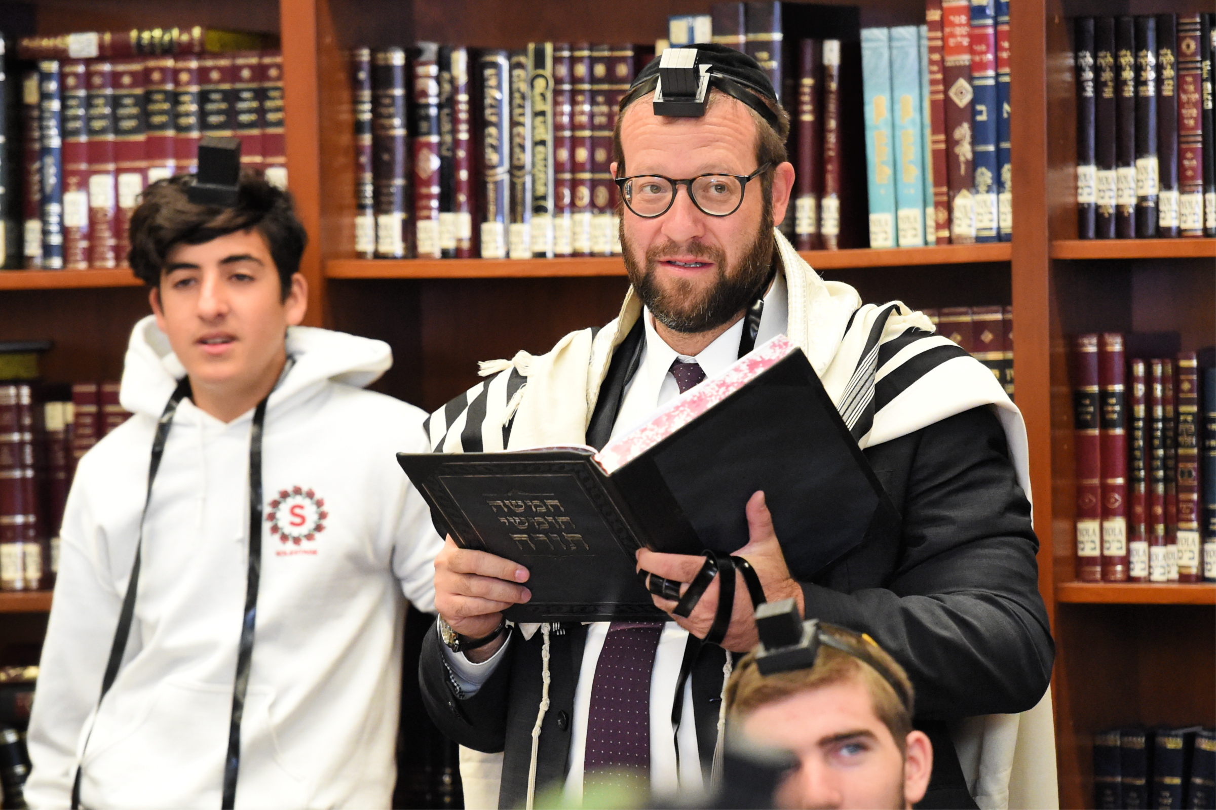 Rabbi Shimon Abramczik Notification